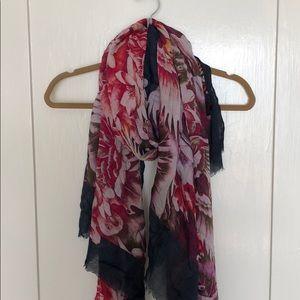 Cynthia Vincent scarf